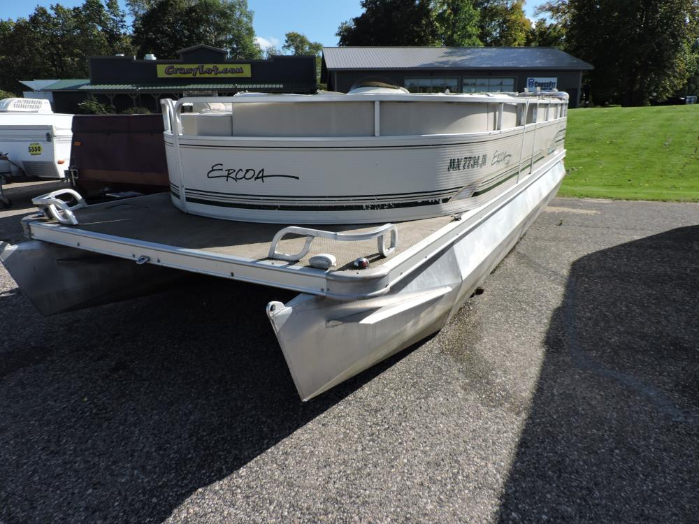 2001 Ercoa Flagship Pontoon / 40 HP Mercury